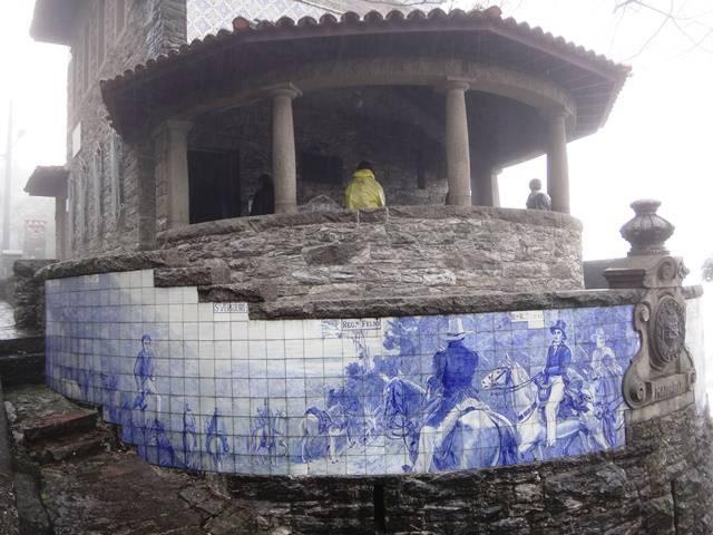 Azulejos pintados no Rancho da Maioridade.