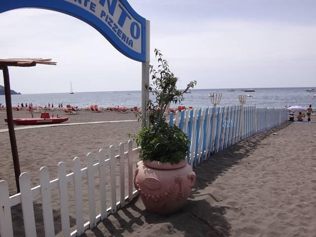 Positano - Marina Grande: praia particular.