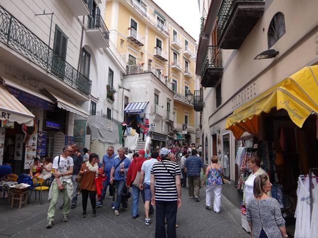 Amalfi, cidade que cede o nome para a Costa Amalfitana.
