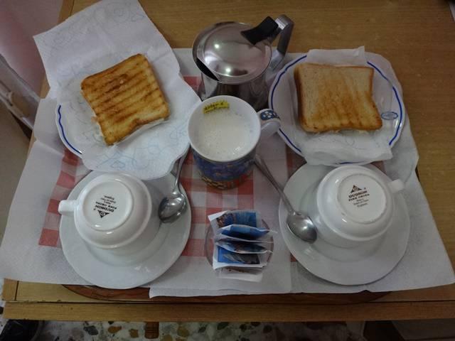 Café da manhã no Hotel Linda, em Sorrento.