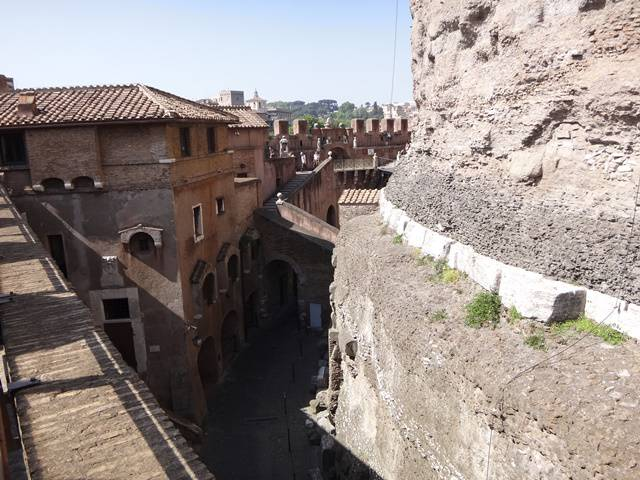 Parte das dependências do Castelo vistas da muralha que o protege.