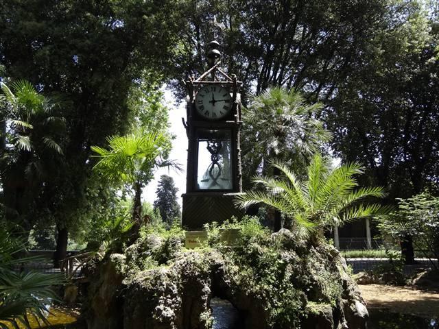 Relógio de água na Villa Borghese.