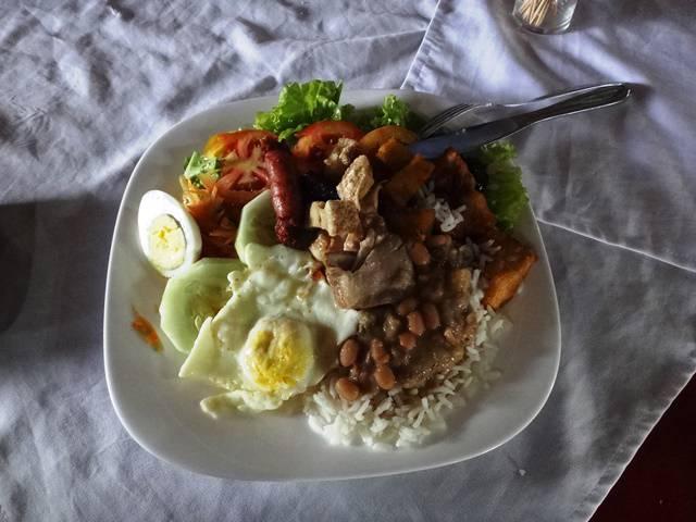 Almoço mineiro no Restaurante Casarão