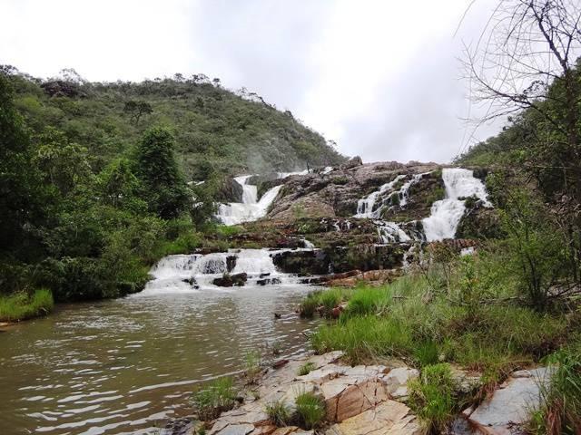 Pequenas quedas na parte alta da Cachoeira Maria Augusta.